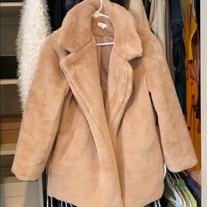 Faux fur coat tan